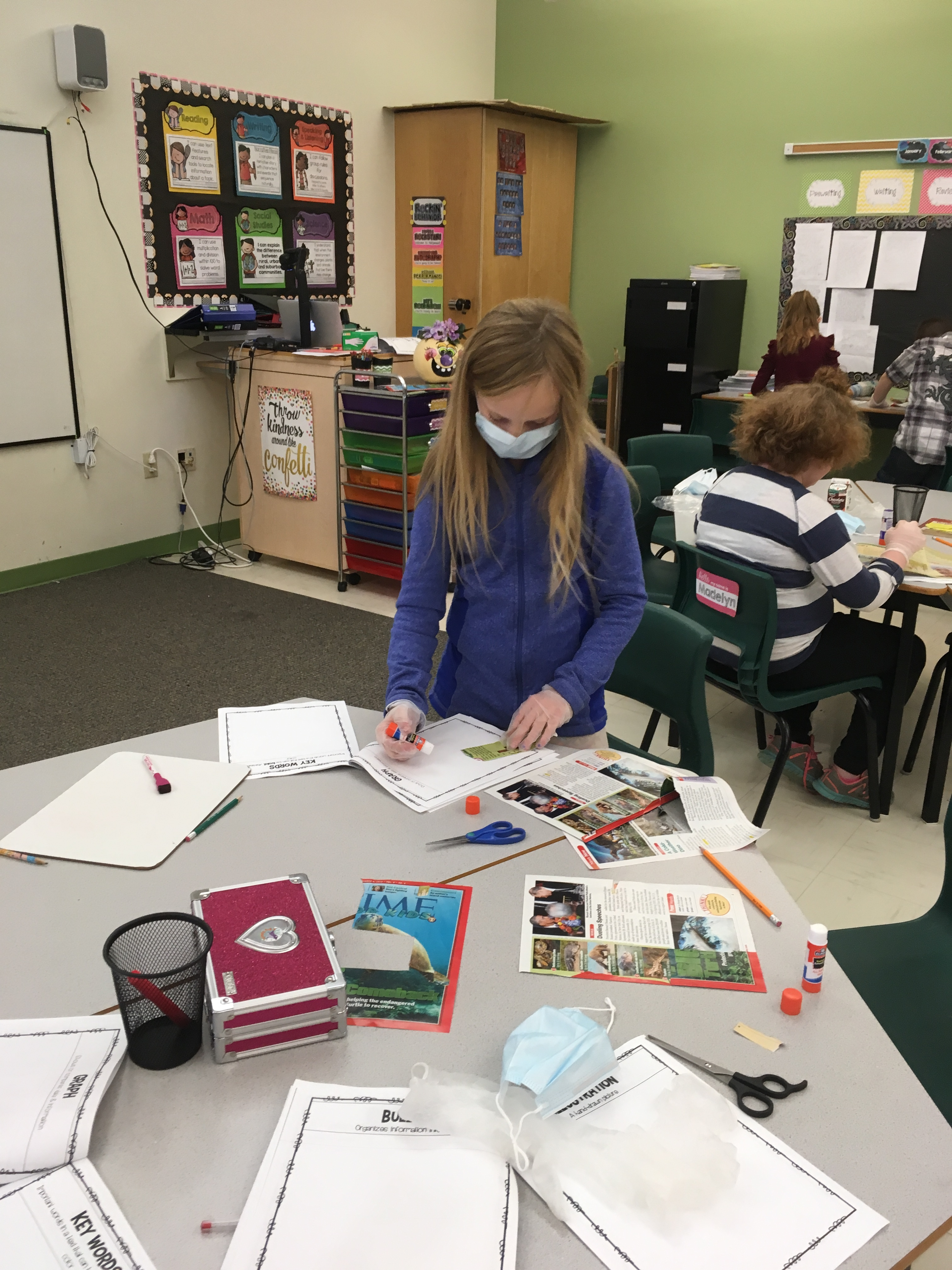RVCS (@AOS94ME) 3rd Graders Perform Text Feature Surgery (2)